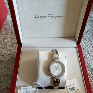 🎶Ferragamo Watch-brand new -authentic 🎶